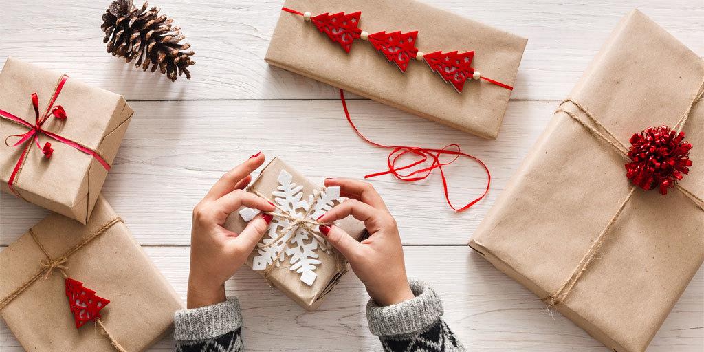 Упаковка подарков и Глинтвейн в подарок для покупателей! 83cfaaa22e3